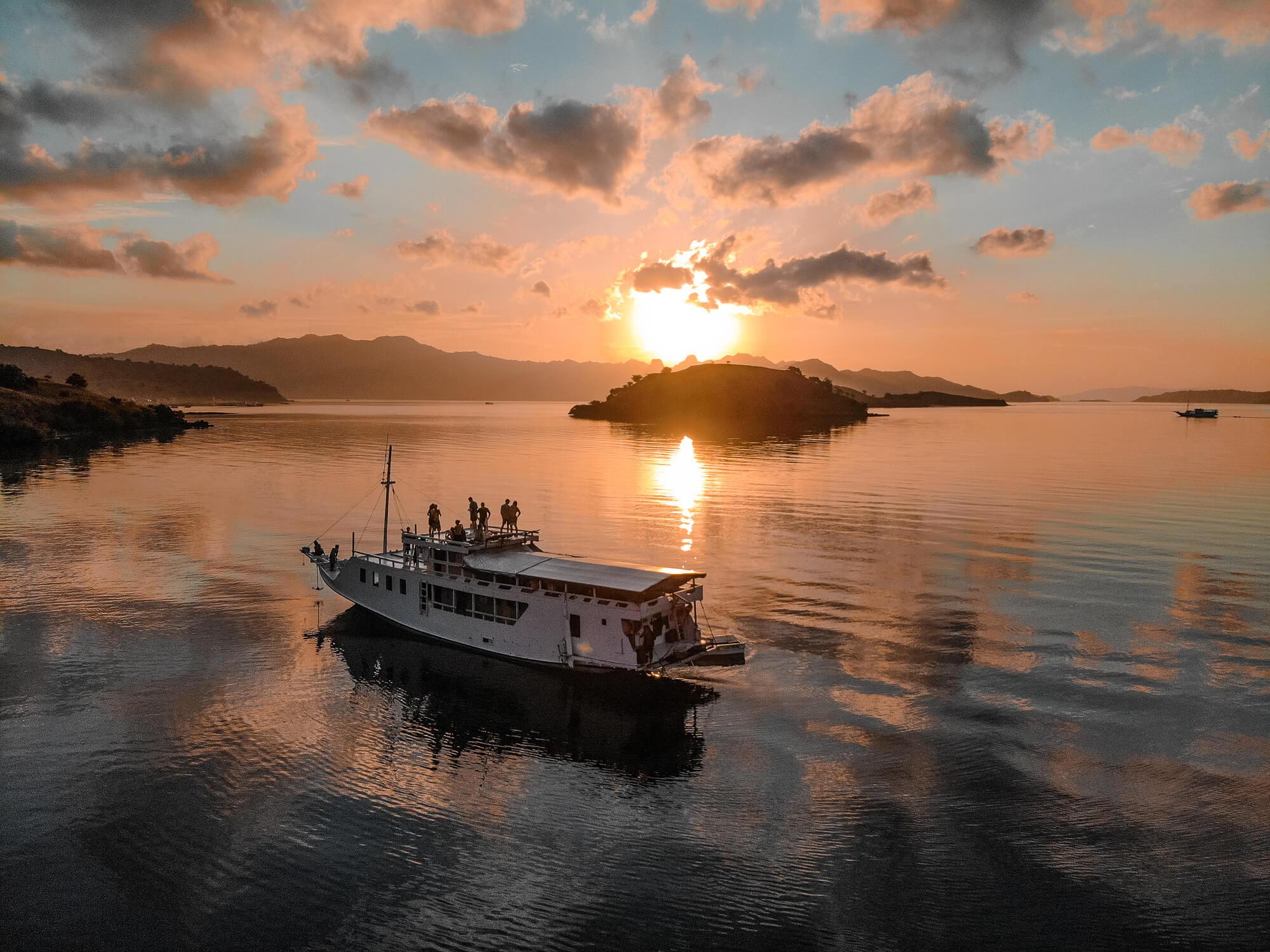 Wanua adventure, boottocht lombok Flores, reizen door flores, budget Flores, budget indonesië, kostprijs Indonesië, hoeveel kost reizen door Indonesië, belgisch reisblog, youngwildfree